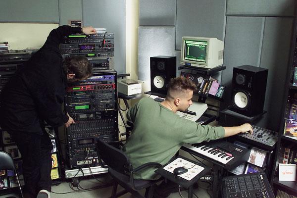 2001. Pierrot és Lepe a G.O.L.E.M. stúdióban