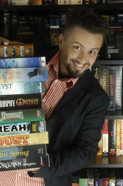 2004. Pierrot kalandjáték-tárgyú interjúi...